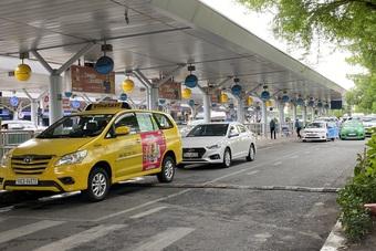 TPHCM: 2 hãng taxi được đưa người đi trung tâm cách ly, bệnh viện, sân bay