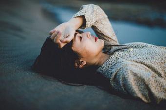 5 cách chống lo âu, buồn chán, nói không với trầm cảm trong mùa dịch, cái đầu tiên rất dễ nhưng ít ai chú trọng
