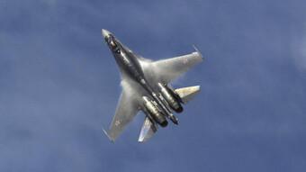 Tiêm kích Su-35 Nga lao xuống biển