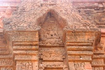 Cụm tháp Hòa Lai (Ninh Thuận) có phải là ''tháp Khmer''?