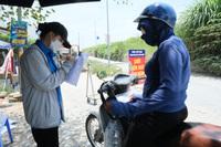 ''Hàng rào áo xanh'' bảo vệ làng xã