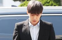 'Hoàng tử gác mái' Park Yoo Chun bị quản lý lật mặt, dọa 'bóc phốt'