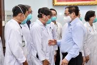 Thủ tướng chỉ đạo chi viện ngay nhân lực cho nơi có nhiều ca nhiễm