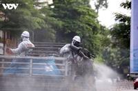 Bộ Y tế đề nghị không thực hiện phun khử khuẩn ngoài trời để diệt SARS-CoV-2