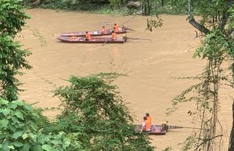 Lào Cai: Lật thuyền trên sông Chảy, một người mất tích