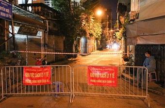 Hà Nội phong tỏa ngõ 651 Minh Khai sau khi phát hiện 20 ca dương tính SARS-CoV-2
