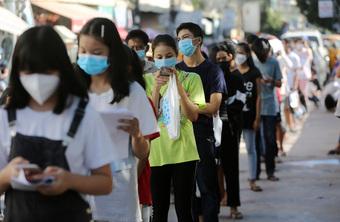 Campuchia bắt đầu tiêm ngừa COVID-19 cho nhóm thiếu niên