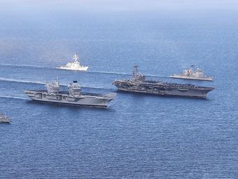 """Cả chục tàu chiến NATO bị Nga """"bế lên bờ"""": Sốc trước sức mạnh tác chiến điện tử vô song"""