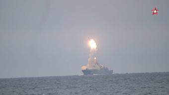 Mỹ và NATO 'lạnh gáy' trước màn khoe vũ khí đáng sợ của Nga