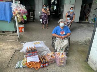 """Chồng lãng tử của Việt Hương được khen """"đẹp người đẹp cả nết"""""""