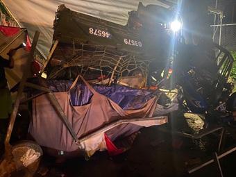Gia đình 5 người đi xe ba gác về Nghệ An tránh dịch gặp tai nạn thương tâm