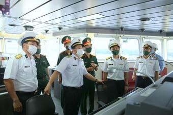 Tàu tìm kiếm cứu nạn tàu ngầm của Việt Nam đặc biệt thế nào?