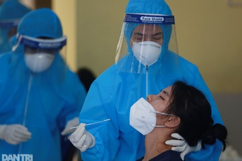 Sáng 1/8, thêm 4.374 ca Covid-19, tổng số gần 39.000 ca đã điều trị khỏi