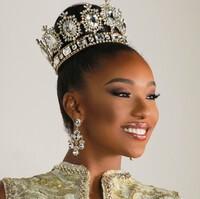 Vận động viên quần vợt sành sỏi 3 ngôn ngữ đại diện Aruba ''đe dọa'' Kim Duyên tại Miss Universe