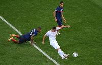 Pháp cúi đầu rời EURO, Pogba lập siêu phẩm vẫn bị Roy Keane mắng xối xả