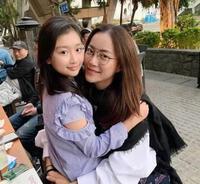 Không phải Trương Bá Chi hay Vương Phi, mỹ nhân này mới là người ở bên Tạ Đình Phong suốt 24 năm và âm thầm giải nguy cho anh, giờ cô vẫn độc thân ở tuổi 48