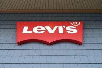 Xu hướng thời trang mới đẩy doanh thu của Levi''s tăng vượt dự kiến