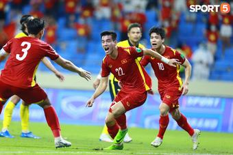 Hàng công tuyển Việt Nam vắng Công Phượng, còn mất cả tiền đạo ghi nhiều bàn nhất lịch sử Vòng loại World Cup?