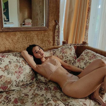 """Hot girl Hà thành """"đốt cháy"""" mùa hè bằng loạt ảnh diện bikini nóng bỏng"""