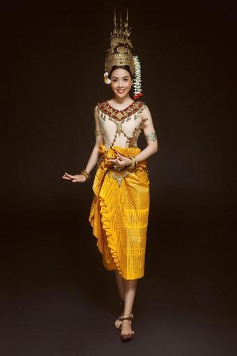 Hoa khôi sinh viên TP Cần Thơ đẹp dịu dàng với trang phục Khmer