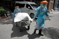 Bangkok phong tỏa tới cuối tháng 8, Indonesia tiêm mũi thứ 3 cho bên y tế