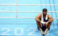 Olympic Tokyo: Võ sỹ Pháp ngồi lì trên võ đài để phản đối trọng tài