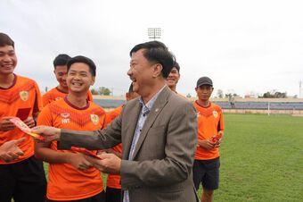 Chủ tịch CLB Quảng Nam: Không tin VPF, hãy họp công khai