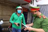 Hà Nội: Sẽ xử phạt ''shipper'' ra đường không có lý do chính đáng