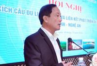 Bí thư Bình Định yêu cầu tạm đình chỉ công tác Giám đốc Sở Du lịch chơi golf