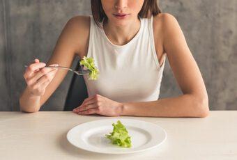 Loạt thực phẩm và thói quen ăn uống gây tổn hại nghiêm trọng đến đời sống vợ chồng