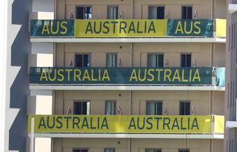 VĐV Australia để lại bãi nôn và tường thủng trong phòng ở Tokyo