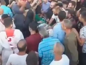 Người thân đang tổ chức đám tang, ''thi thể'' trong quan tài đột ngột tỉnh lại