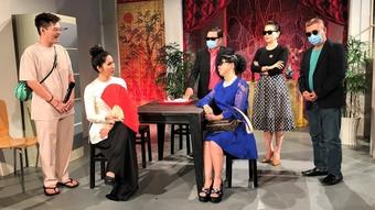 Sân khấu kịch truyền hình ''hút khán giả'' trong mùa Covid-19