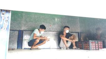 Quảng Ninh: Không có giấy xét nghiệm COVID-19, 2 người núp trên thùng xe tải để qua chốt kiểm soát
