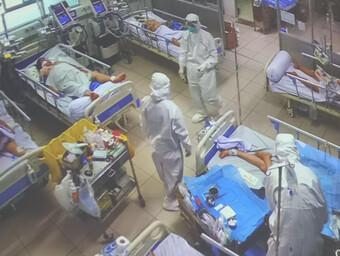 Nơi thầy thuốc không quản ngày đêm điều trị hàng trăm bệnh nhân nặng mắc COVID-19