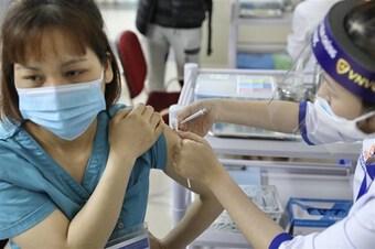 Quỹ vaccine phòng COVID-19 đã nhận được 8.451 tỷ đồng