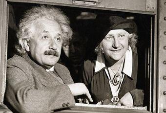 """Người vợ thứ hai của thiên tài Albert Einstein: Cô em họ mang danh """"kẻ thứ 3"""" khiến vợ cả đau khổ và cuộc sống buồn tủi ít ai thấu"""
