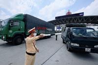 Xe ''luồng xanh'' được đi qua Hà Nội trong thời gian giãn cách xã hội