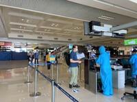 Vietnam Airlines đưa 180 cán bộ, nhân viên y tế Bệnh viện Bạch Mai vào TP.HCM