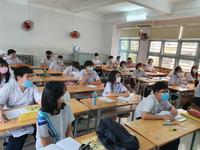 Dịch đang phức tạp, có nên để học sinh đi học sớm?