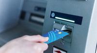 TP.HCM chi trả lương hưu qua tài khoản ATM