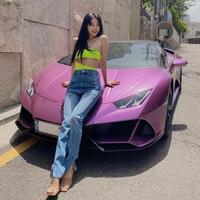 ''Mỹ nhân dao kéo'' Han Ye Seul khoe siêu xe trị giá hàng chục tỷ giữa lùm xùm bạn trai bị khui quá khứ làm trai bao