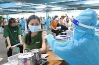 TP.HCM: Hơn 1,5 triệu người được tiêm vắc xin trong nửa tháng