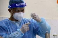 Bộ Y tế hướng dẫn về tiêm kết hợp 2 loại vaccine phòng COVID-19