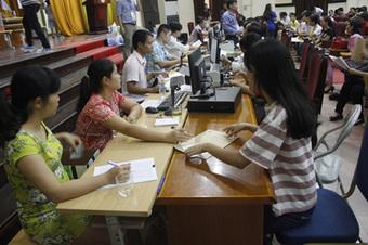 Bộ GD&ĐT đề nghị các trường không tăng học phí để chia sẻ khó khăn với học sinh, sinh viên