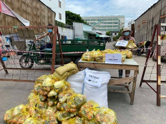 Người Việt ở Thung lũng Silicon hỗ trợ bà con TP.HCM trong dịch