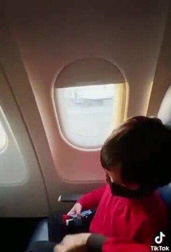 Ngọc Quyên và con trai khám phá Seattle