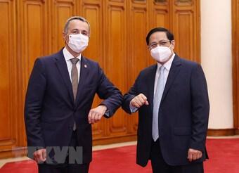 Đề nghị Thụy Sĩ tích cực giúp Việt Nam tiếp cận nguồn cung vaccine