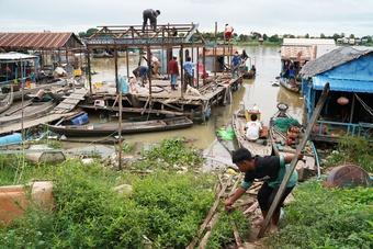 Người Việt tại Campuchia sau lệnh giải tỏa nhà nổi