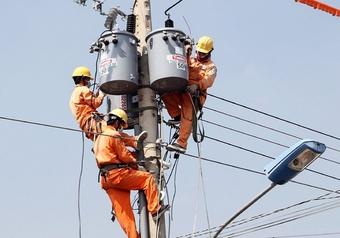 Công suất tiêu thụ điện miền Bắc ngày 4/8 đạt 17.900 MW, tăng 35%